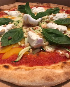 Foto Pizza Burrata